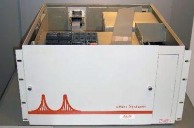 один из первых маршрутизаторов Cisco