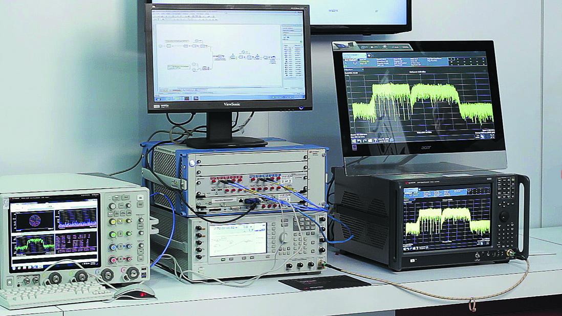 Добавление 33-ГГц осциллографа (внизу слева) и 44-ГГц векторного генератора сигналов (внизу в центре) позволяет оценить сосуществование в некоторых ВЧ-полосах, выделенных для 5G