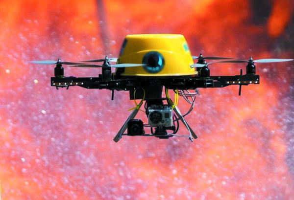 Пожарный дрон Predator-100 (Китай) тушит пожар