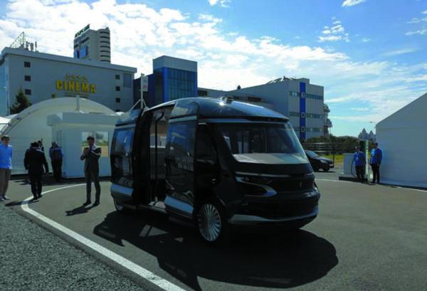 Моделирование V2X в пилотной зоне на беспилотном 12-местном пассажирском электробусе «ШАТЛ» от «КАМАЗ» (Казань, 12 июня 2018 года)