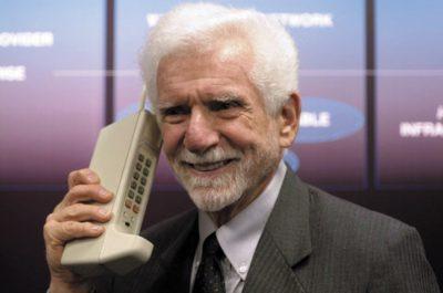 Мартин Купер, разработчик первого сотового телефона Motorola
