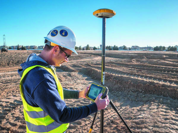 Trimble Navigation, планшет T7 и GNSS-приемник. Источник: GPSWorld.Com