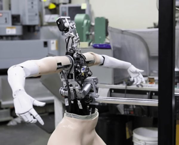 Опытный образец робота-гуманоида для работы в торговом зале