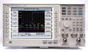 Приложения для тестирования беспроводной связи E5515E 8960