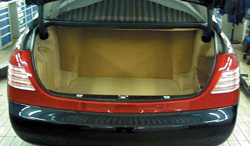 Общий вид багажного отделения после установки, на примере Maybach 62